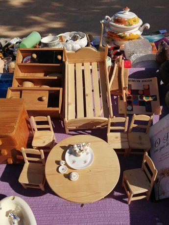 Vendo lote de miniaturas de madeira originais