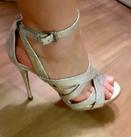 Szpilki sandały Guess srebrne