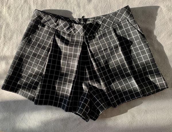 Стильные юбка-шорты Atmosphere в клетку чёрные