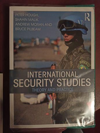 Książka International Security Studies: Theory and Practice