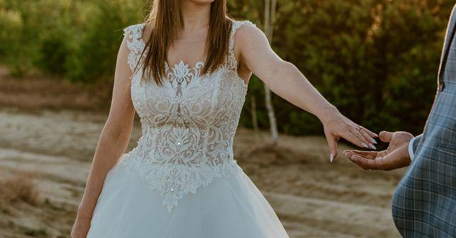 Suknia ślubna, z trenem Roxie Antra, avorio, Laura