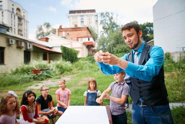 Фокусник аниматор на детский день рождения. Харьков