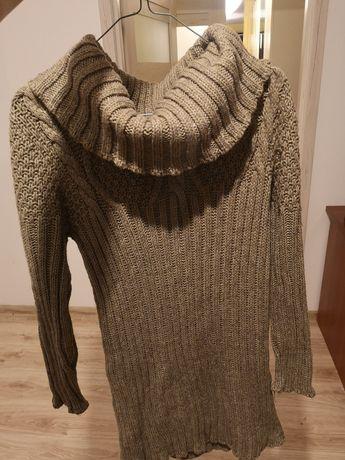 Długi swetr z golfem wełna akryl