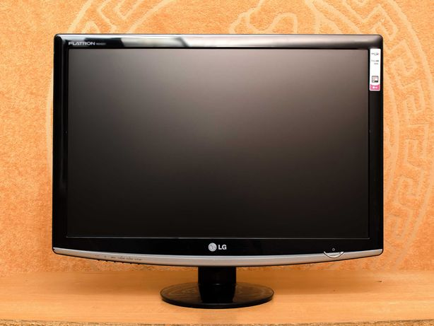 Монитор 24'' LG W2452T (DVI и VGA порты)