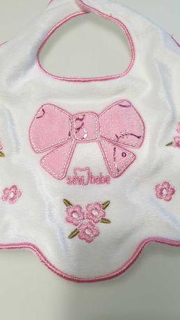 Качественный нарядный слюнявчик sevi bebe с вышивкой