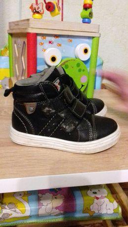 Ботинки кожаные, кросовки