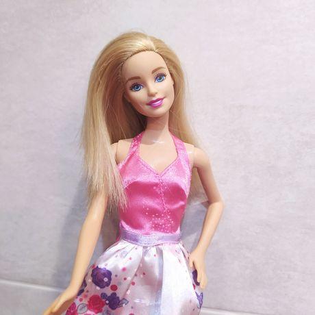 Barbie lalka księżniczka w długiej sukni balowej Mattel suknia galowa