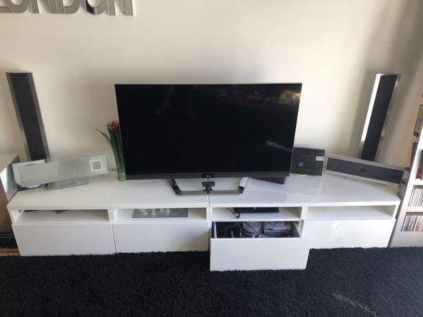 Movél de TV com dois módulos