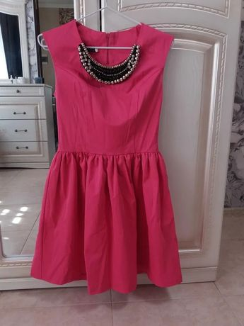 Сукня в ідеальному стані. 34 розмір. Плаття для підлітка.