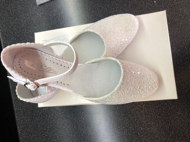 Sprzedam buty komunijne dla dziewczynki NOWE