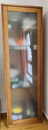Móvel Cristaleira com prateleiras de vidro em madeira maciça