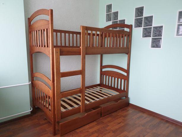 Дитяче двояросне ліжко
