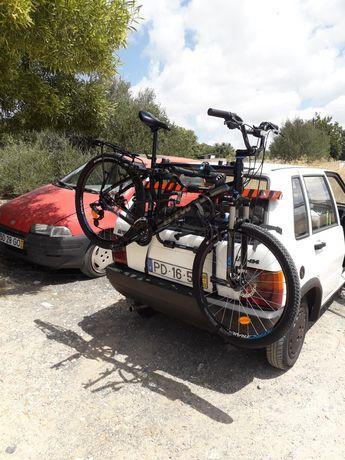 Bike e suporte pra 3 bikes