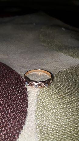 Золотое кольцо с натуральными камнями,583 пробы,СССР.