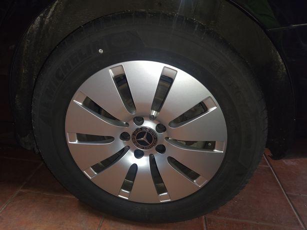 4 jantes Mercedes com pneus