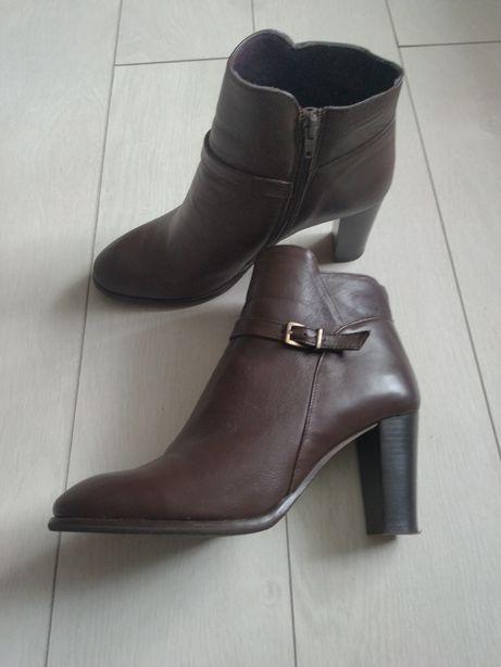 Сапоги, ботинки, чобітки, кожа
