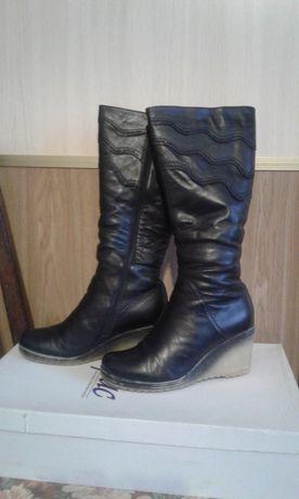 продаются сапоги женские зимние кожаные