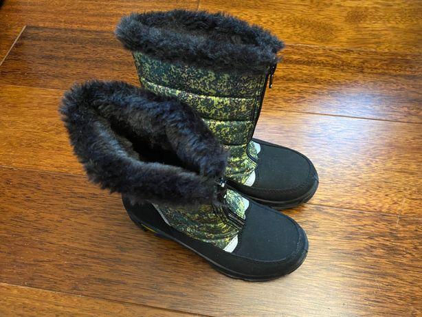 Sprzedam buty zimowe dziecięce śniegowce 30 - stan idealny