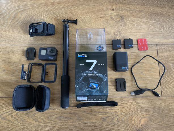 GoPro Hero Black 7 + dodatki (ładowarka, baterie, stick) go pro