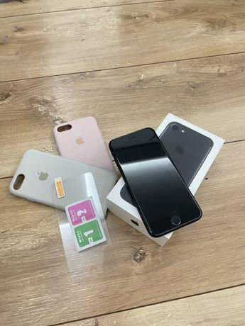 Iphone 7 32Gb czarny IDEALNY gratis obudowy silicon case Apple