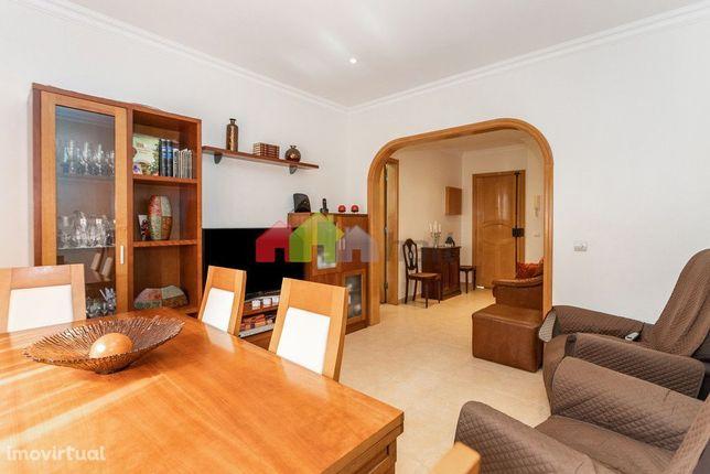 Apartamento T2 na Cruz de Pau - Amora