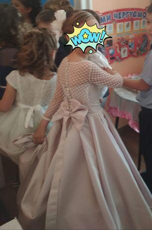 Платье со шлейфом на выпускной