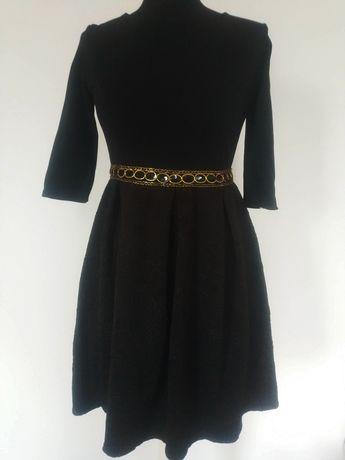czarna sukienka wytłaczana M