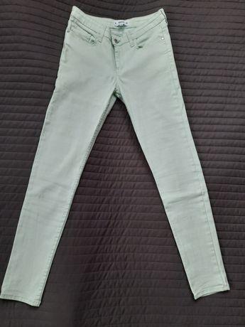 Jasne jeansy Mango