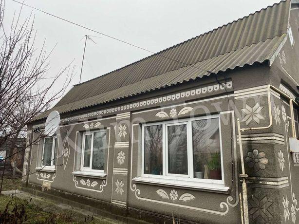 Продається будинок в р-ні університету