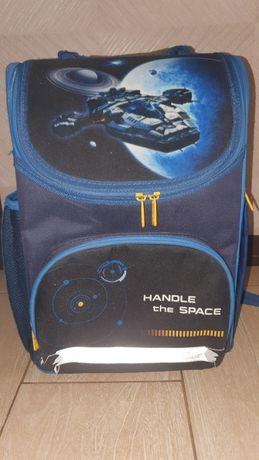 Рюкзак для мальчика Kite каркасный б/у в хорошем состоянии
