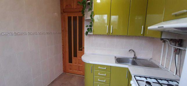 Продам 2 кімнатну квартиру з АГВ, вул.Космонавтів
