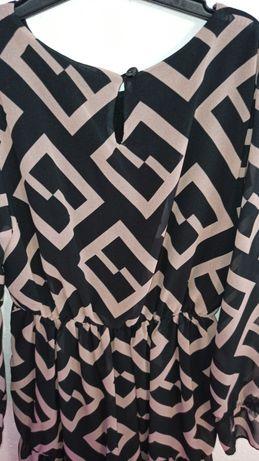 Elegancka sukienka na każdą okazję w grecki wzór rozkloszowne rękawy