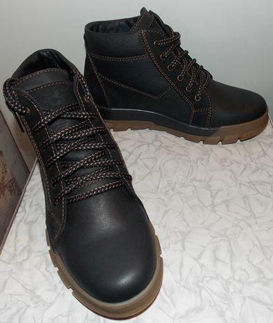 Подростковые демисезонные кожаные ботинки.