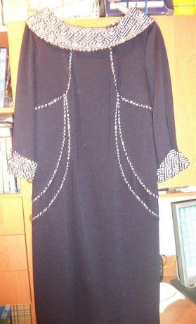 Платье и джинсы 52рр