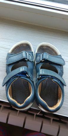 Босоножки, сандали кожаные