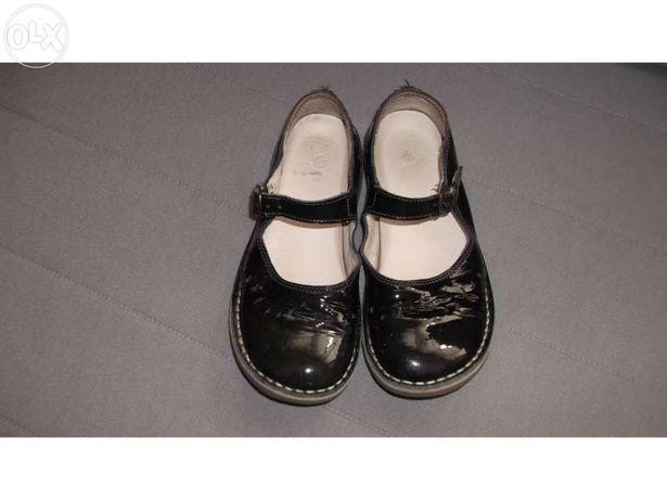 14 Pares Sapatos 19 a 33