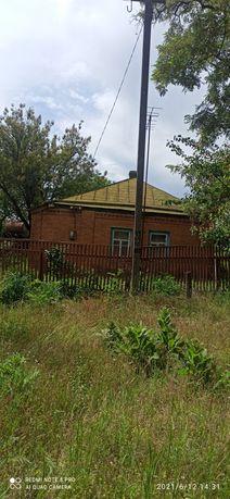 Продам будинок в центрі села