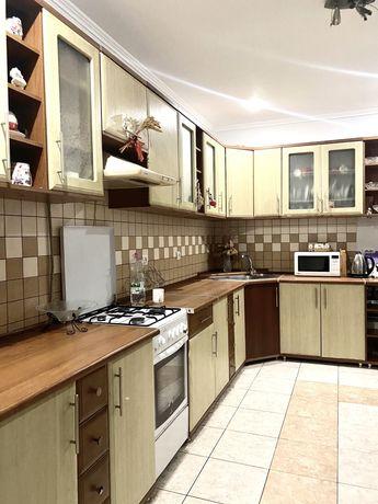 Продаж 2 км квартира в н/б по вул.Угорницькій