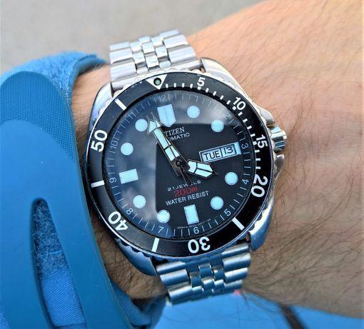 Zegarek CITIZEN Diver 4-S82442 na bransolecie. Lata 90.