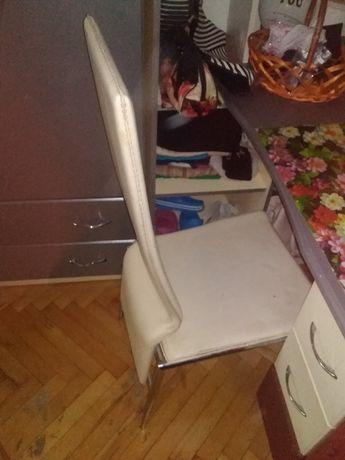 Продам стул для школьника , студента в идеальном состоянии