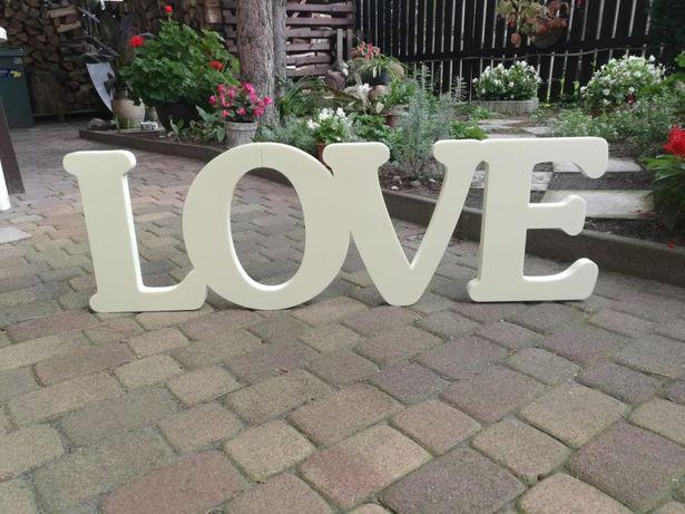Napis Love, styrodur