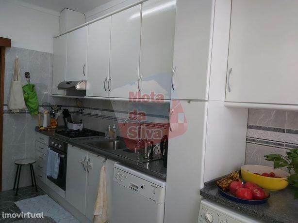 Excelente Apartamento T2 em Carnaxide | Oeiras