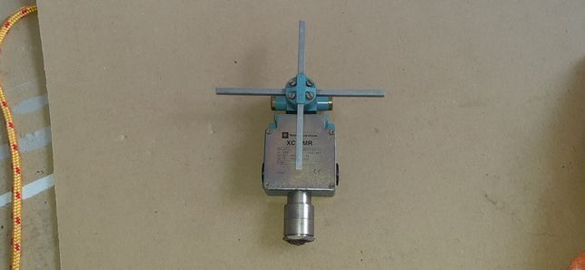 Wyłącznik krańcowy, pozycyjny telemecanique xck-mr