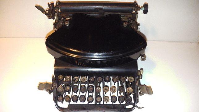 Maszyna do pisania Adler, antyk