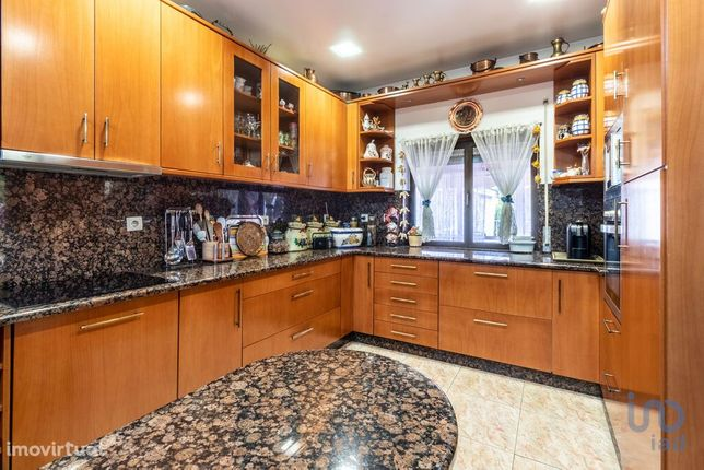 Moradia - 253 m² - T5
