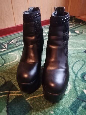Продам чобітки зимові