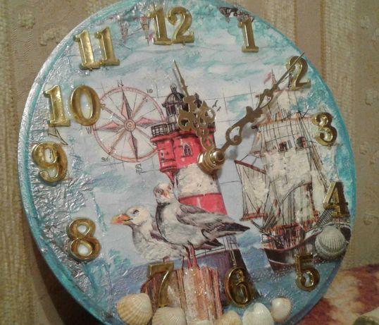 """Часы """"Азовское море"""" с ракушками ручная работа"""