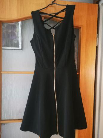 Czarna mini sukienka na sylwestra