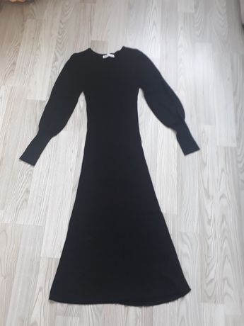 Sukienka czarna, Zara