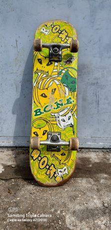 Профисиональный СкейтБорд BONE
